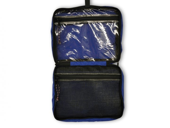 Hanging Toiletry Kit-1017